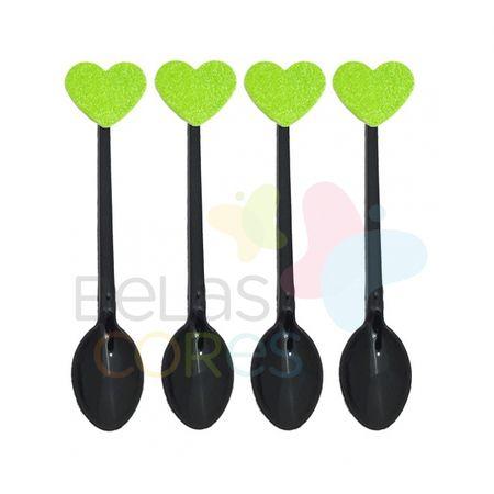 colherzinha-preta-aplique-coracao-verde-claro